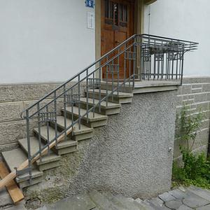 Saniertes Treppengeländer
