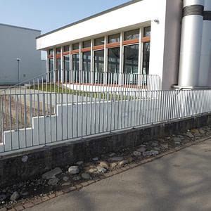 Neues Aussengeländer Schulhaus
