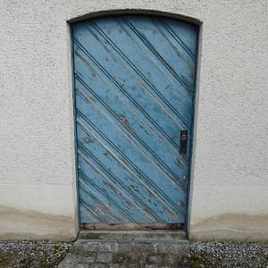 Alte Hofeingangstüre aus Holz