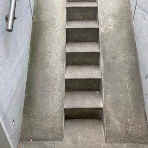 Alte Treppe zu Tiefgarage