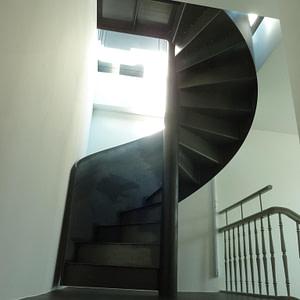 Neue Wendeltreppe zu Dachterrasse