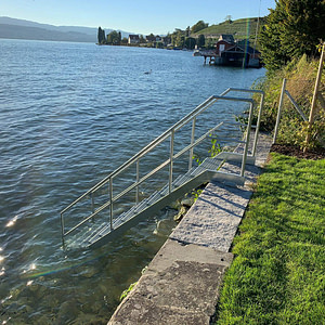Neue Treppe in See