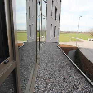 Neue Vordachkonstruktion bei MFH