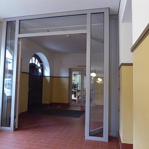 Neue Brandschutztüre Schulhaus